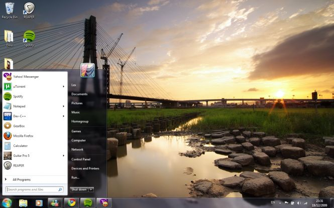 Windows 7 Pro desktop